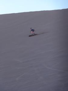 Boarding in der Atacama-Wüste