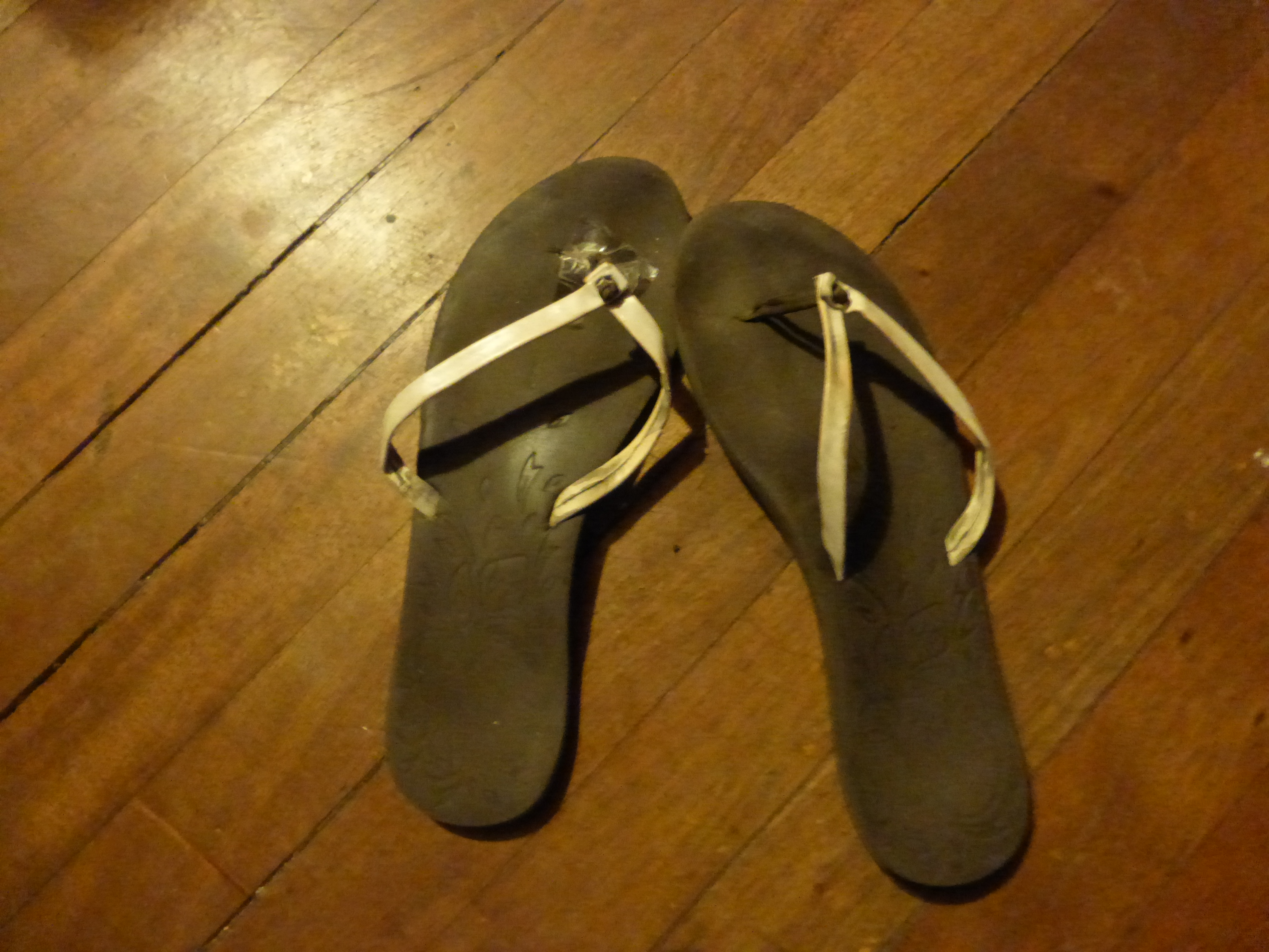 06c0916fdf55 Flip-Flops – How Many Pairs of Flip-Flops Do You Need to Travel the ...