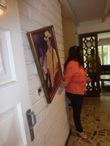Alte Einschusslöcher in Escobars Haus
